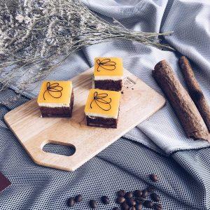 le-petit-cafe-cakes